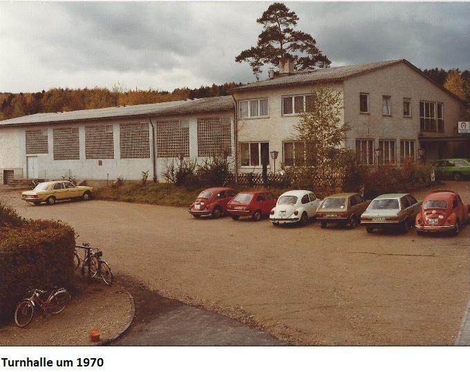 turnhalle-1970-mit-untertitel